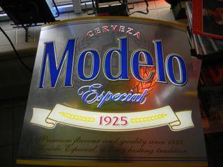 MODELO LED LIGHT - NICE PIECE! - APPROX 19