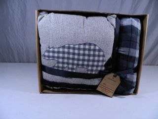 New Pillow and Throw Set
