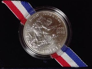 26 73 grams   WWII Anniversary  Coin