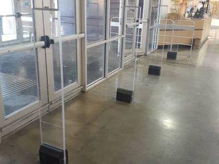 4 floor mounted theft detectors