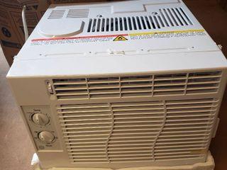 Ge 5 000 Btu Mechanical Window Air Conditioner In White  Ael05lx