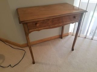 Pretty Traditional Side Table