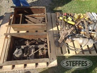 (2)-Pallets-of-misc--tools---parts-_1.jpg
