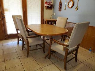 Chromcraft Table   4 Chairs