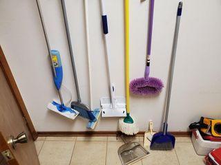 Swiffer  Broom  Mop  Duster  etc
