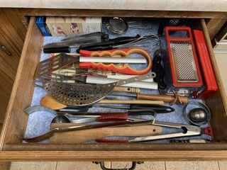 Contents of 1 drawer