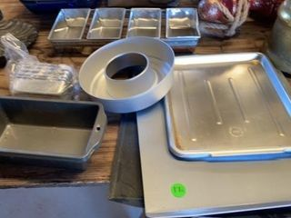 3 BAKING SHEETS   AlUM RING MOlD   MINI AND