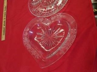 HEART SHAPED BOWl  VEGETABlE PlATE
