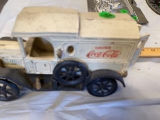 CAST IRON COCA COlA ANTIQUE VEHIClE
