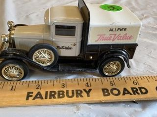 AllENS TRU VAlUE TOY TRUCK