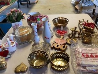VAlENTINES ASSORTMENT POUS MANY BRASS PIECES