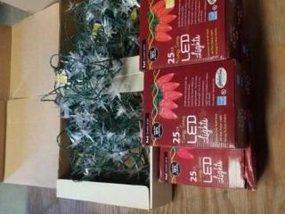 4 STRANDS OF STAR CHRISTMAS lIGHTS  5 BOXES OF