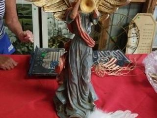 lARGE BREAKABlE ANGEl WITH WINGS