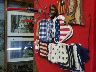 VARIOUS FOURTH OF JUlY KITCHEN TOWElS  HOT PADS
