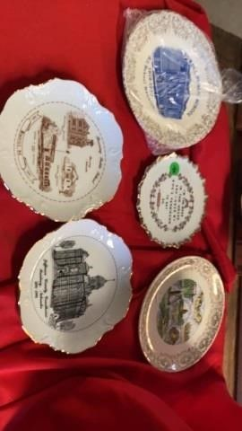 5 DECORATIVE PlATES