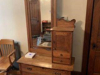 Dresser w/ Mirror & Locking Compartment