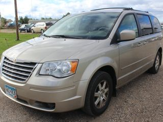 2008 Chrysler Town & Country Touring- 2 Owners