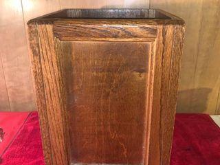 Wood Trash Can location lR Shelf B