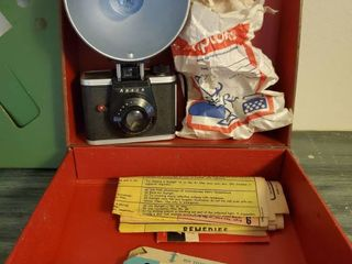 Ansco Vintage Camera  Batteries not Included  With Extra Bulbs and Paperwork