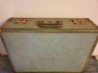Vintage Green PlATT AIRESS Suitcase woth Working latches