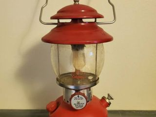 Red Coleman Model 200A195 Oil lantern   with Glass Globe No  550