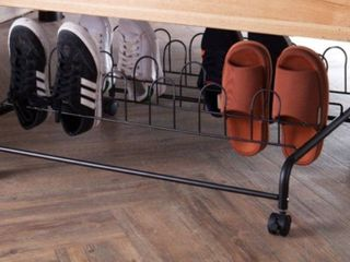 SUPRIMA UNDERBED SHOE HOlDER WITH WHEElS   BlACK