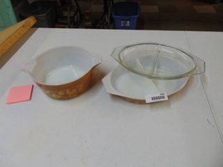 Pyrex Bowl and Pyrex Casserole with lid