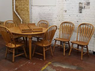 Oak Dining Table with 6 Chairs & 4 Leaves