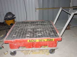 ACID SPILL CONTAINMENT PALLET W/ CART
