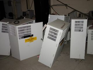 LOT OF ASSORTED GE DRIVE VFD ENCLOSURE CABINETS (MISSING DRIVES)