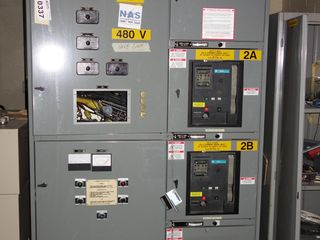 LOT OF 3 SECTIONS OF GE AKD-10 SWITCHGEAR PANELS w 1600A WAVEPRO BREAKERS