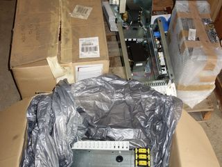 1 PALLET OF NEW ASSORTED ELECTRIC CONTROLS, GE RESISTOR