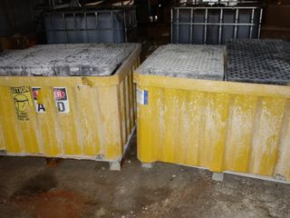 LOT OF 2 ULTRA IBC 40CFR OIL SPILL PALLETS