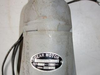 275A6815-PT2 115V-AC 125V-DC GEAR MOTOR
