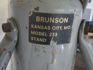 Brunson Stand Model 233