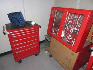 7 Drawer Tool Box Snap On with tool box cabinet and contents (lot)