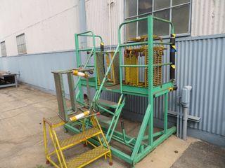 Steel Steps, Platforms, Aluminum Steps, Ladders, (lot)