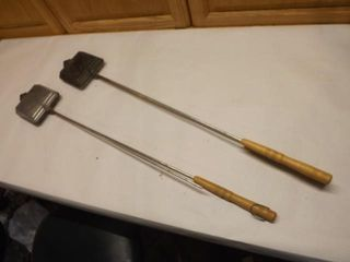 A Pair of Campfire Toasters / one handle missing
