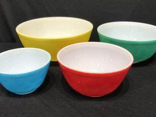 4 Piece Pyrex Nesting Bowls