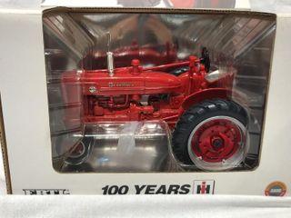 Farmall Super M TA Centennial 2002