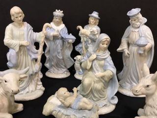 Blue   White Glass Nativity Scene Figures