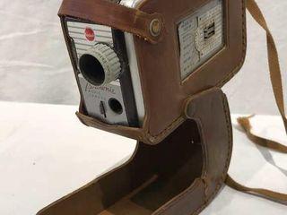 Kodak Brownie Vintage Camera w  Case