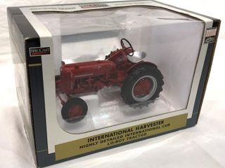 IH Highly Detailed Cub lo boy Tractor  1 16 Scale