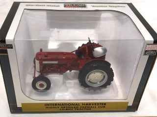 IH Highly Detailed Farmall lo Boy Tractor  1 16