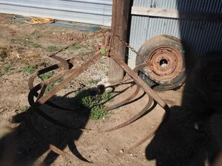 ANTIQUE BARN HAY CARRIER
