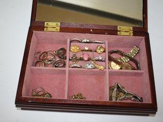 Jewelry box   Contents