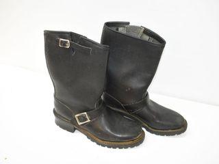 Boots Sz 9
