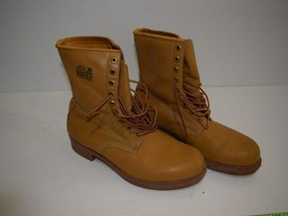 NEW  GREB insulated leather boots  size 9