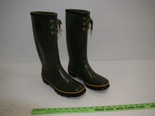 NEW  VIKING sz 9  rubber boot