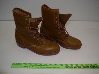 NEW ESTRIE sz 8 leather boots